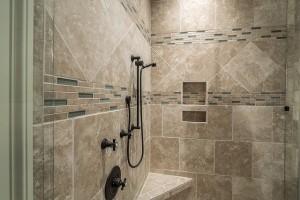 Jak na zděný sprchový kout